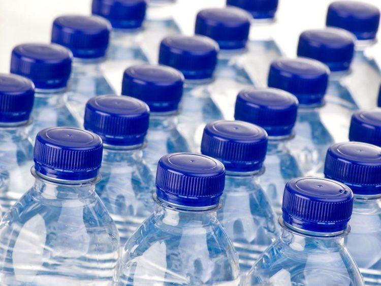 Acqua contaminata da idrocarburi ritirata dal commercio