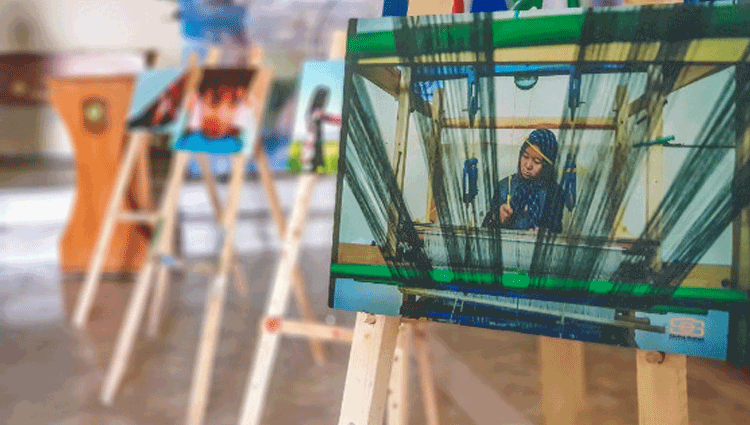 A Herat in Afghanistan una mostra fotografica ospitata a Camp Arena