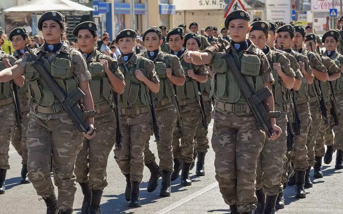Donne nelle Forze Armate e di Polizia