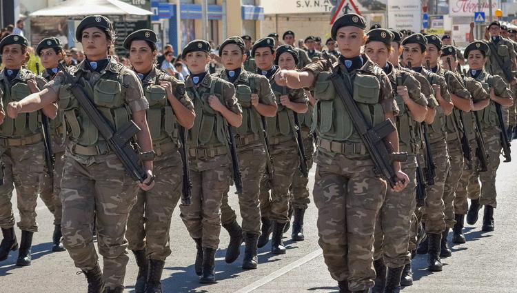 Donne in Divisa, Venti anni del servizio militare femminile