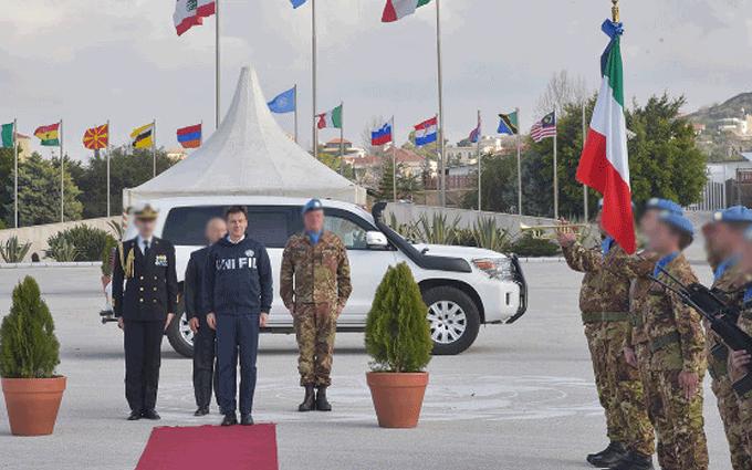 Giuseppe Conte visita il contingente italiano in Libano per la missione UNIFIL