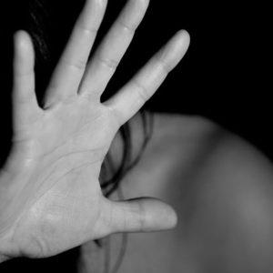 Donne violentata, stop alle violenze