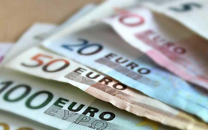Euro rinnovo contratti emolumenti statali